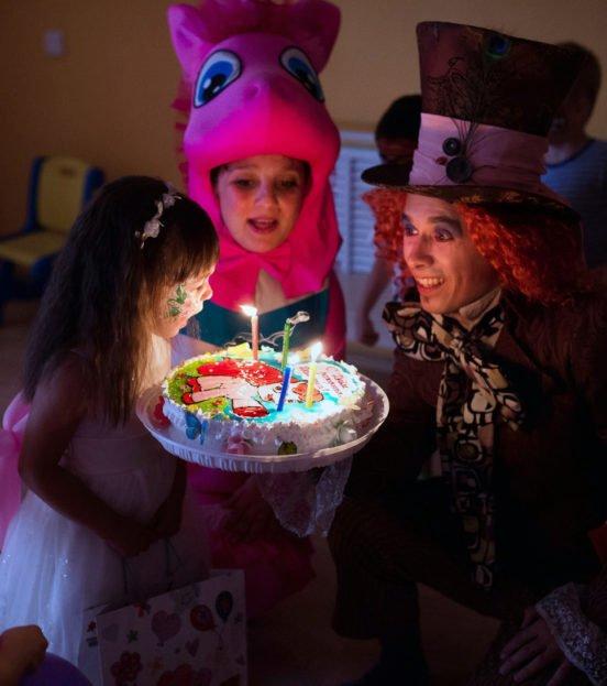 Аниматор Безумный Шляпник на день рождения ребенка в Уфе