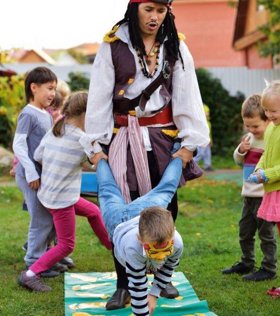 Аниматор пират Джек Воробей на день рождения ребенка в Уфе