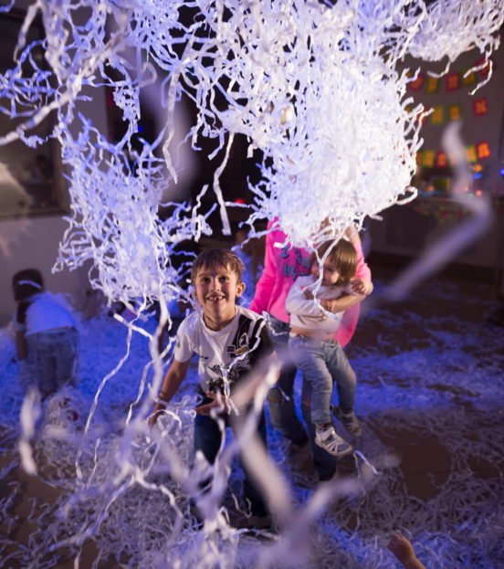 Бумажное шоу на детский праздник в Уфе