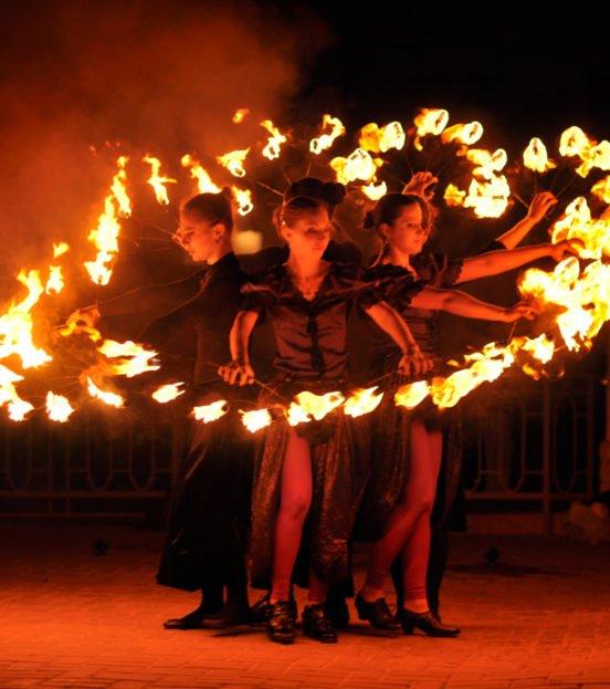 Фаер-шоу (огненное шоу) на детский праздник в Уфе