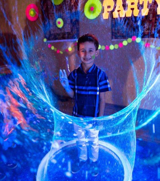 Неон party- неоновая вечеринка для детей в Уфе
