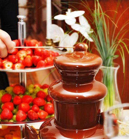Шоколадный фонтан на детский праздник в Уфе